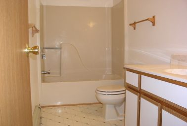 Townhouse 2 Bedroom / 2.5 Bath